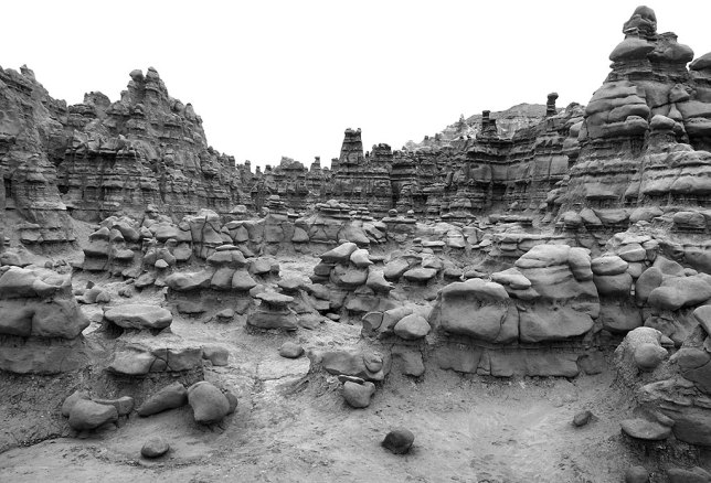 The east end of Goblin Valley becomes taller towers of mudstone.