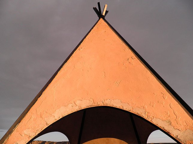 Our last photo opportunity on U. S. 550 in northwestern New Mexico was this teepee at the Apache Nugget Casino. Robert had been after me for two days to find a teepee for him to photograph, and we saw this one just at sunset.