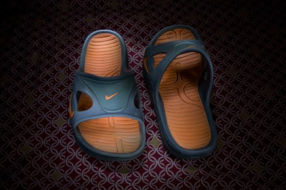 Light Painted Nike Sandals
