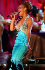 """46TH ANNUAL GRAMMY AWARDS -- Beyonce performs """"Dangerously in Love 2"""" during the 46th Annual Grammy Awards show, at the Staples Center in Los Angeles, Calif., Sunday, Feb. 8, 2004. LOS ANGELES TIMES PHOTO BY RICHARD HARTOG"""