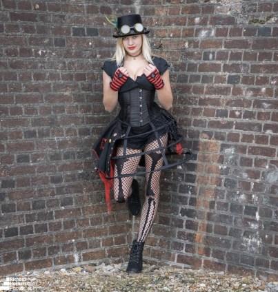 emma-steampunk-felixstowe_30680057117_o