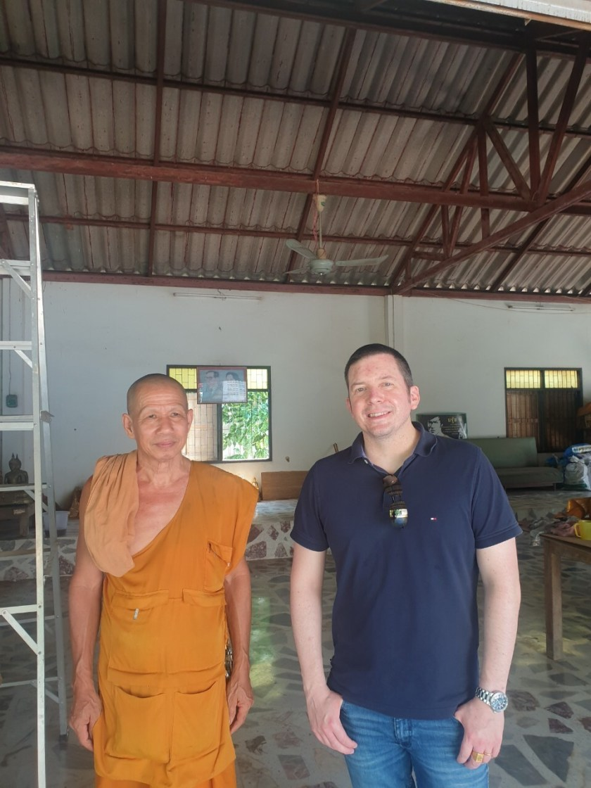 Monk wat siri samphan with Richard .jpeg