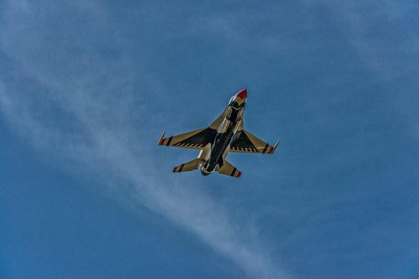 Thunderbirds-f-16-Fighting-Falcon-Lockheed-Martin-13-005225.vv