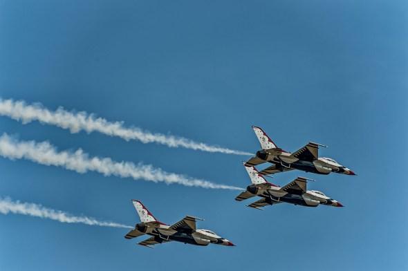 Thunderbirds-f-16-Fighting-Falcon-Lockheed-Martin-13-005258.vv
