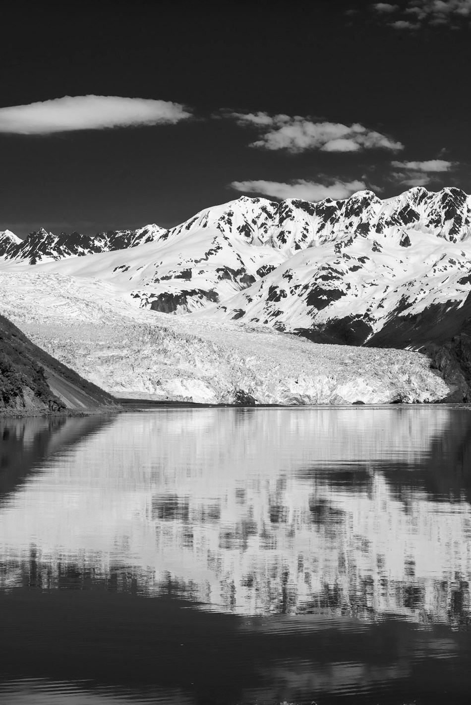 Approaching the Aialik Glacier and reflection.
