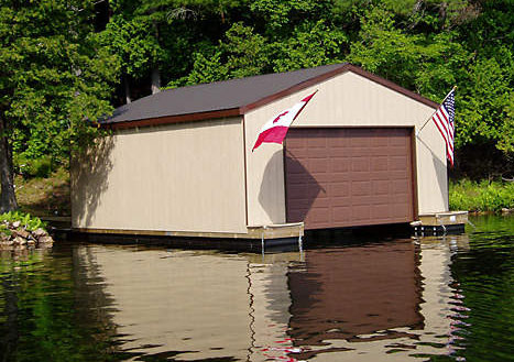 Floating Boat House - Richardson Docks