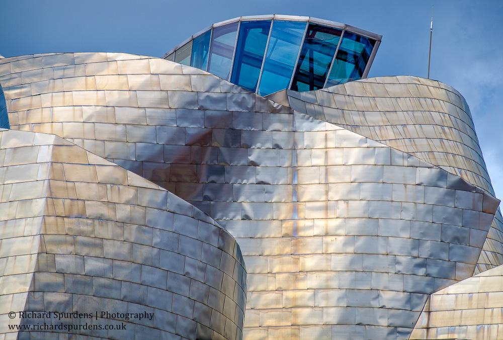 Bilbao guggenheim roof angles and shapes