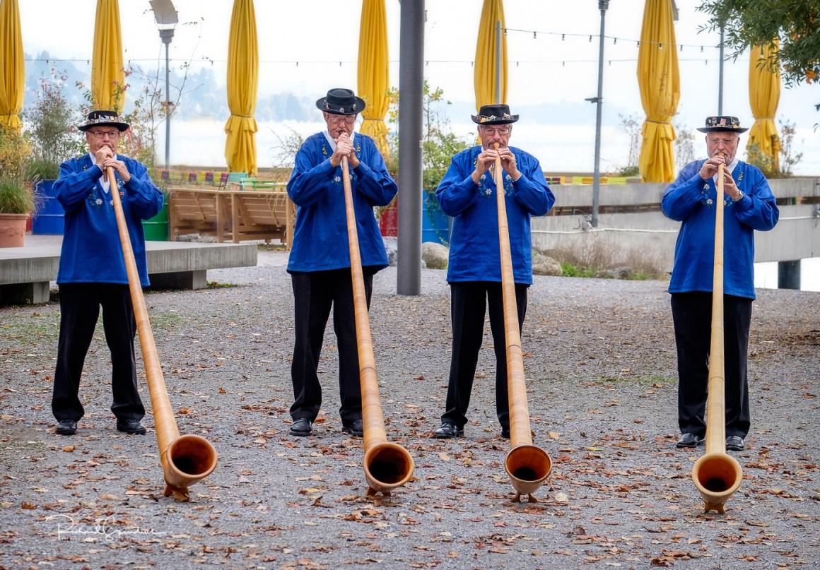 Zurich alpine horn players II