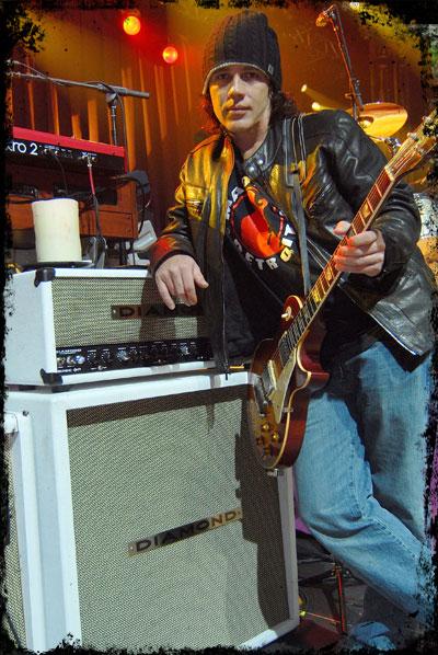 Marlon Young Kid Rock S Lead Guitarist Richard Zowie
