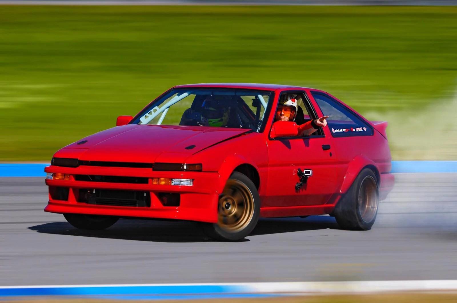 AE86- Toyota Sprinter Trueno- Montero