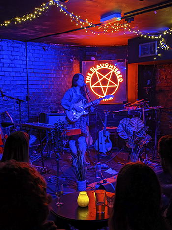 Holly Abraham performing at The Slaughtered Lamb - 26.10.19.