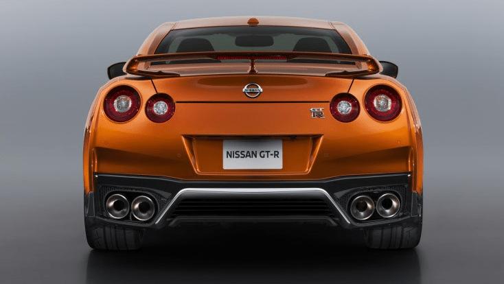 Nissan GT-R 4