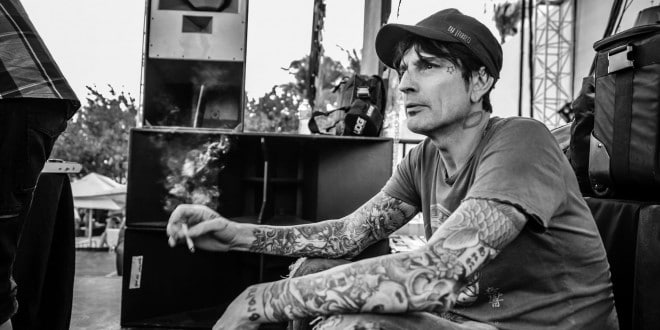 https://i1.wp.com/richestcelebrities.org/wp-content/uploads/2014/09/Tommy-Lee-Net-Worth-660x330.jpg