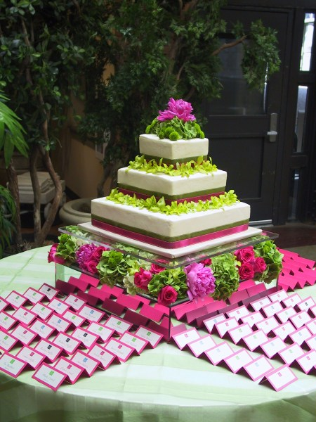 Fuchsia and green decor