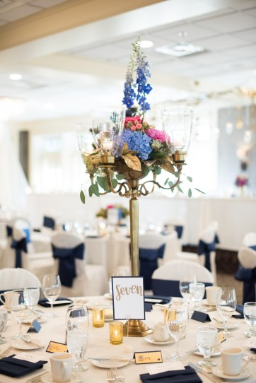 blue and pink wedding centerpiece