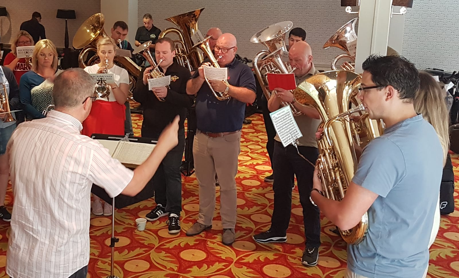 Mark Wilkinson conducts a rehearsal of Richmond Brass Band