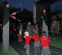 jugglers and people entering