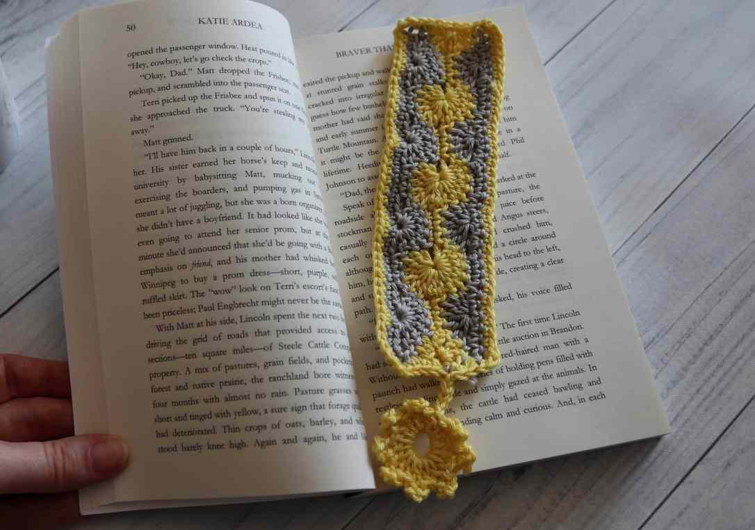 crochet bookmark2