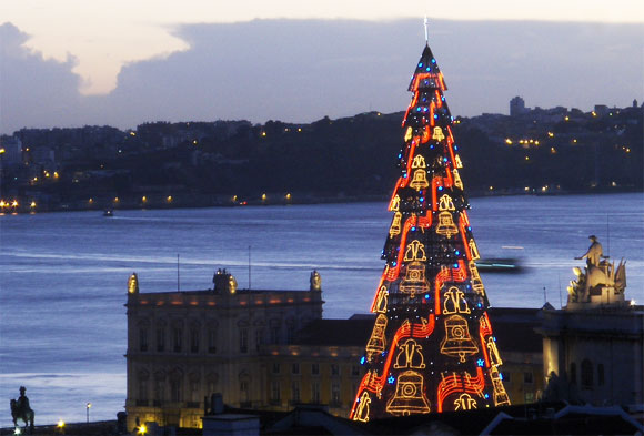 Unique Christmas Trees From Around The World Brilliant