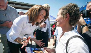 michelle bachmann campaigning with iowa