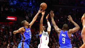 kevin durant blocks chris paul to guarantee victory
