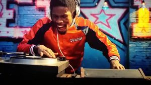 shaolin fantastic on the turntables at a show