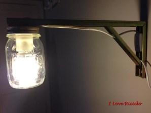 lampada con barattolo e reggimensola