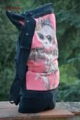 zaino nero con maglietta 1