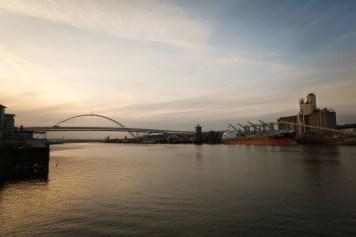 dusk-willamette-river