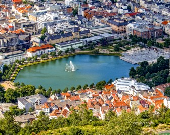 "Norway. 5th place for the day in ""City, Street, and Park"" on international website Pixoto."