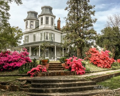 """Natchez, Mississippi. 4th place for the week in """"Buildings and Architecture"""" on international website Pixoto. 4th place award in """"100 Year Old Home"""" contest on Pixoto."""