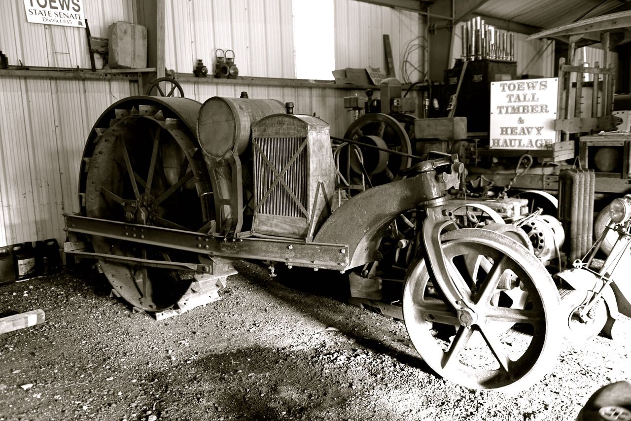 Tractor Wheel Person : People who amaze me jerry toews and his antique engines