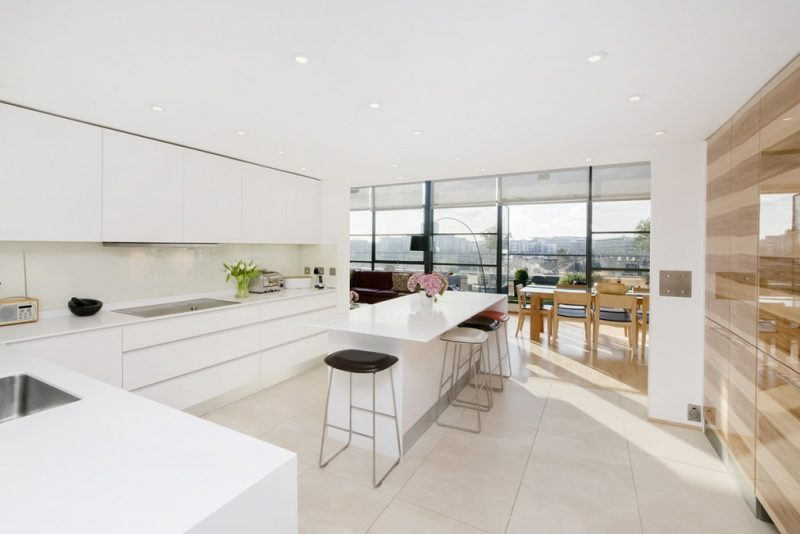using a simple kitchen island layout