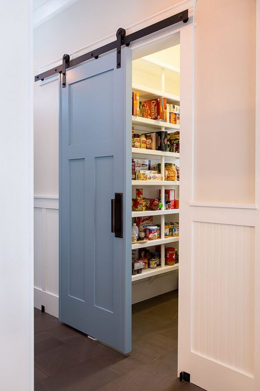l shaped kitchen with pantry