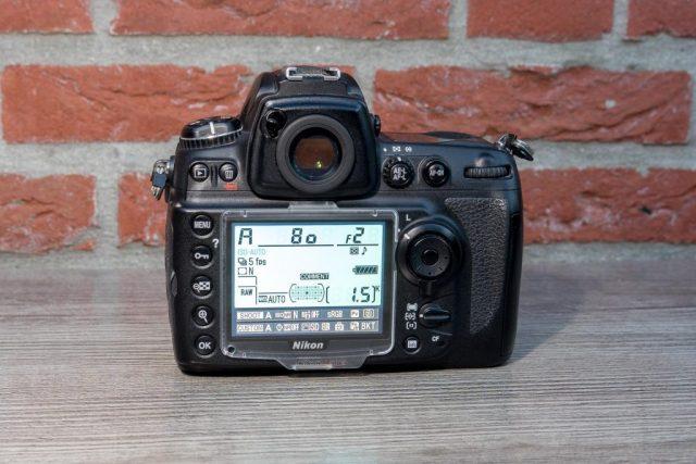 Nikon D700 review 2016