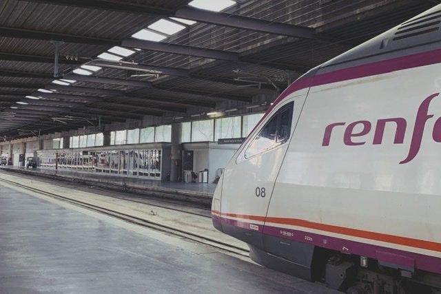 #Renfeando. Curiosidades, ventajas y desventajas de viajar en tren.