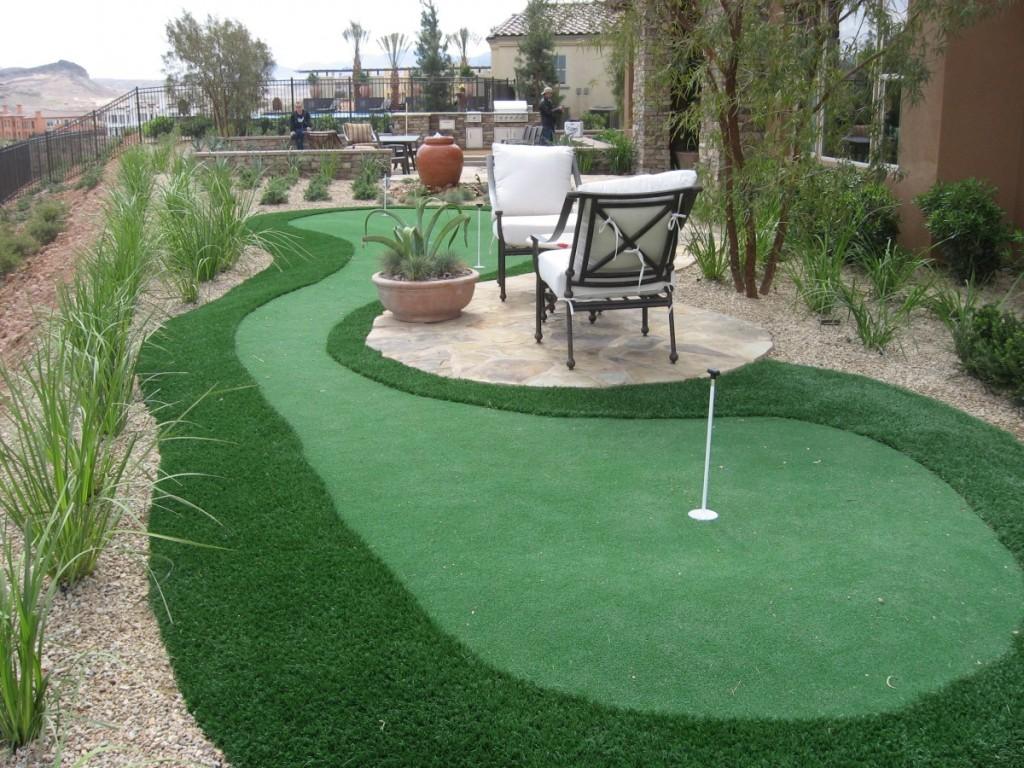 Backyard Putting Greens : Rickyhil Outdoor Ideas - DIY ... on Putting Green Ideas For Backyard id=31337