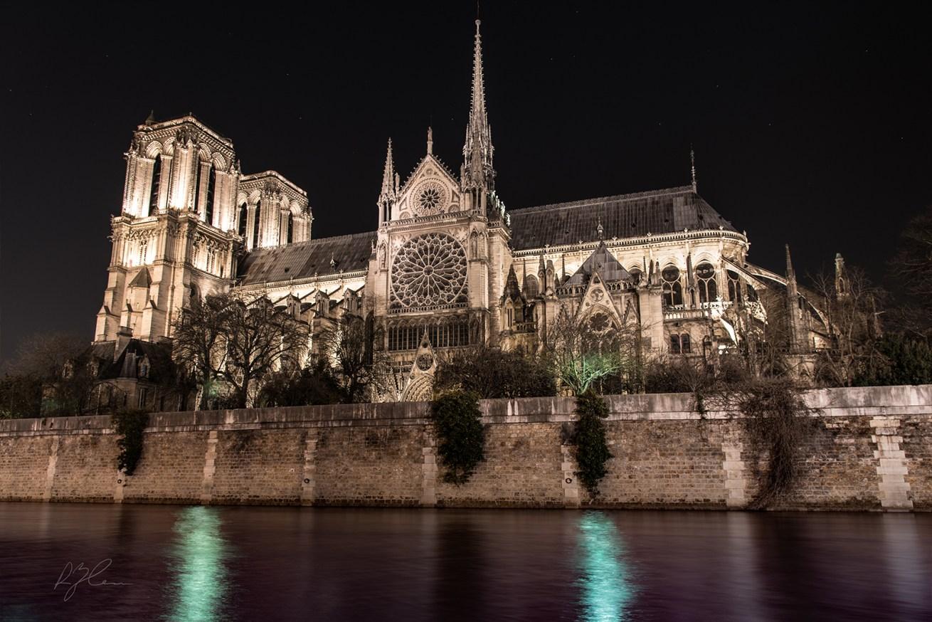 Main-RickZeleznik-Notre-Dame-Night