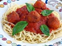 Espaguetis con albondigas de atún