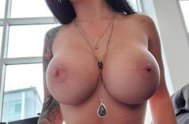 Katrina jade masturbandose