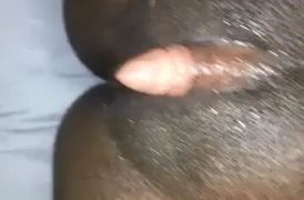 Negra con el clitoris grande se masturba