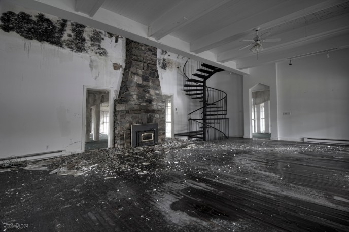 Abandoned Ontario Time Capsule Mansion