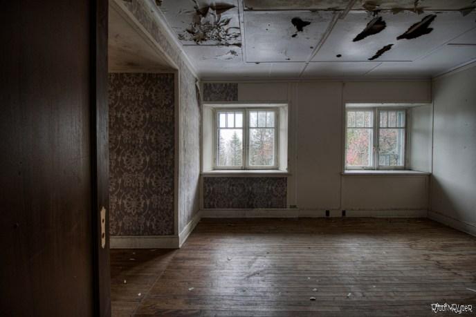 Abandoned French Mansion - Manoir Ogilvie