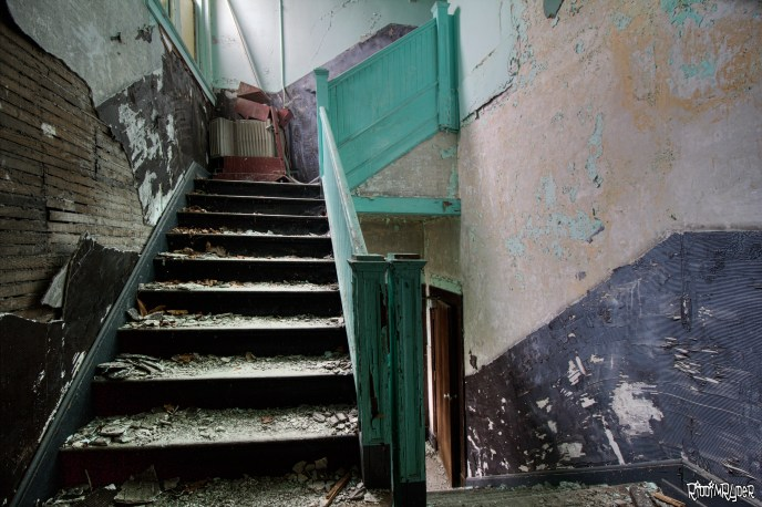 vacant staircase