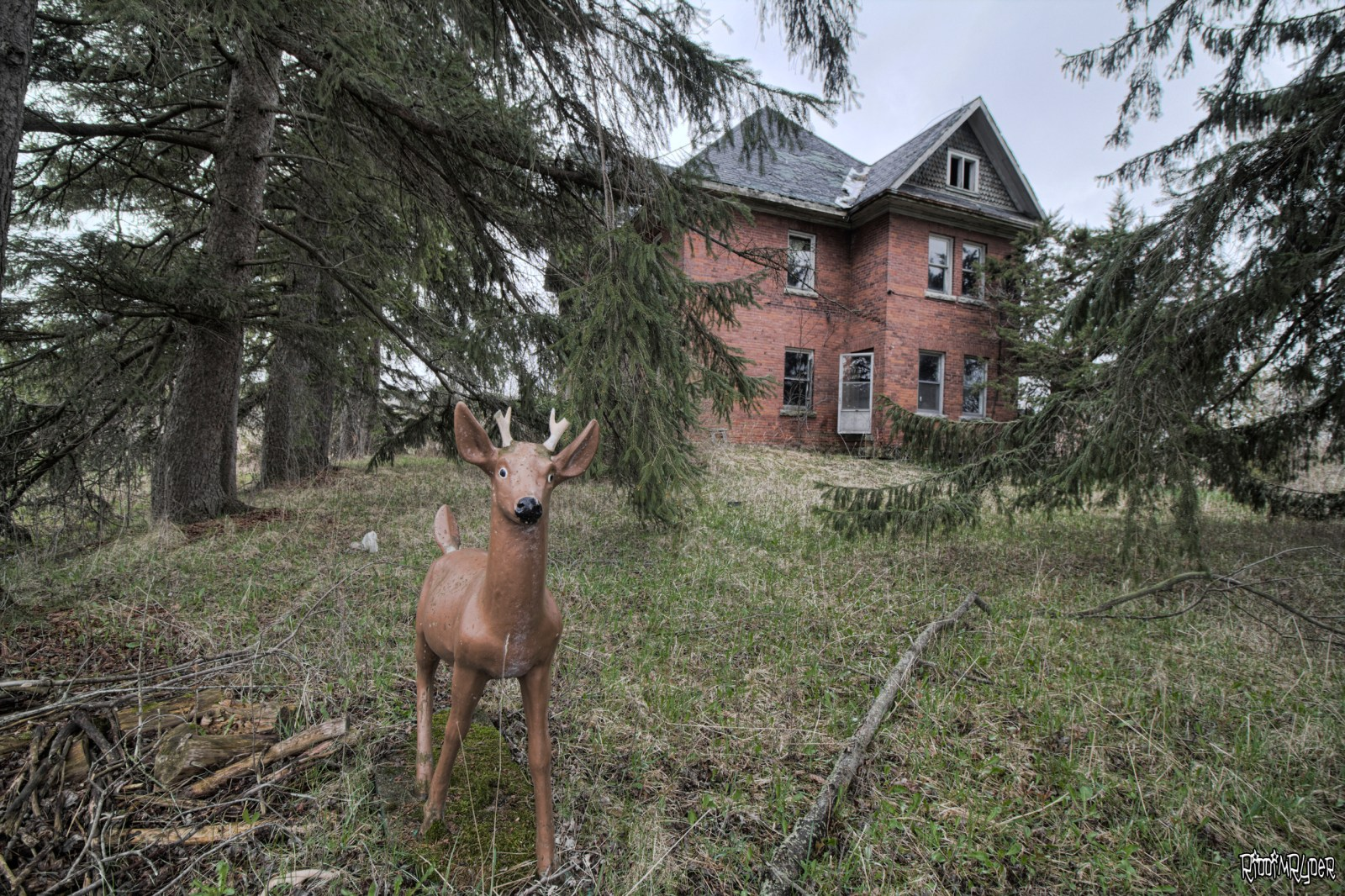 Dangerous Abandoned Country Mansion