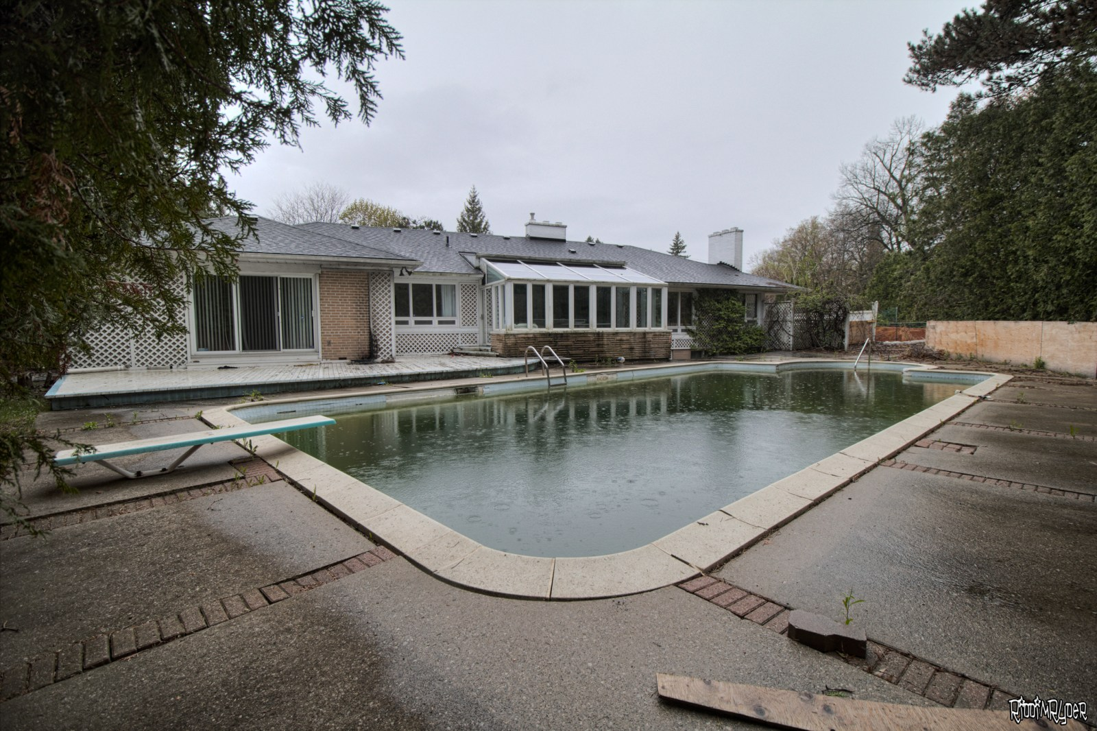 Abandoned mansion pool