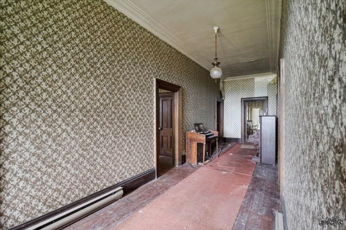 Piano corridor