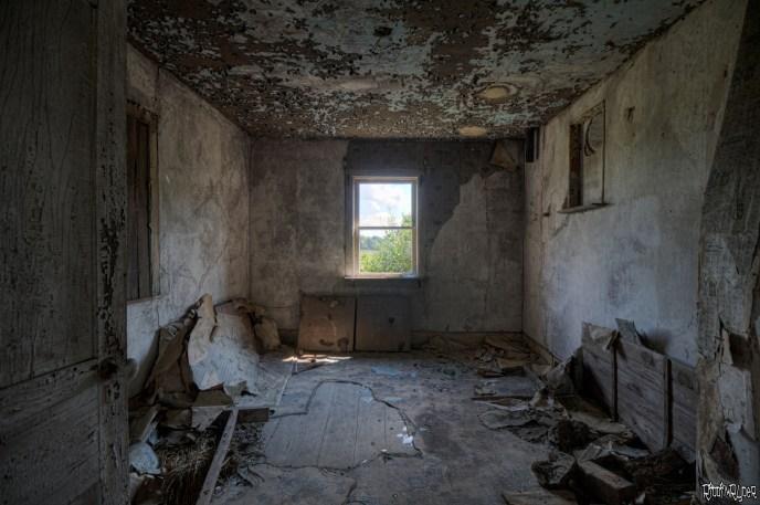 Random room inside an abandoned house