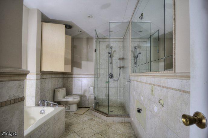 Bungalow Upstairs Bathroom