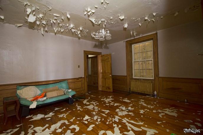 abandoned homestead family room